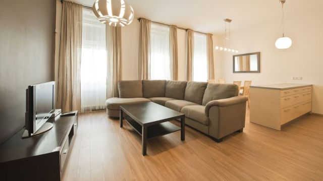 Downtown_Suites_Kodanska-Prague-Family_room-5-403175